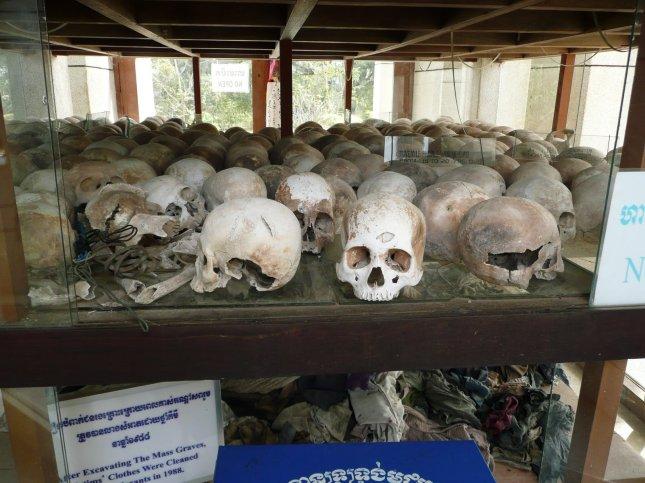 human-skulls-cambodia3